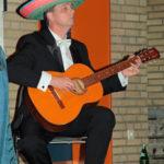 gitarren-spielt-auf
